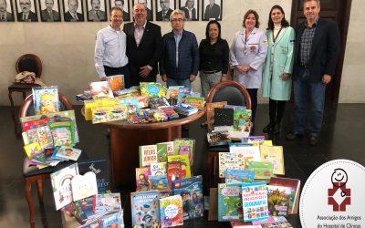 Livrarias Curitiba faz parceria com Associação dos Amigos do HC